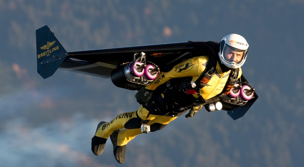 """""""Jetman"""" trained a new rocket-man and flew over Dubai – proof the future is already here"""