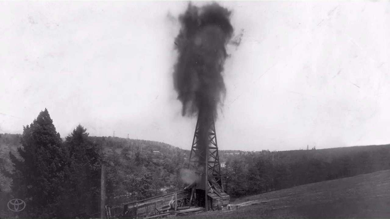 there will be oil discovery of oil at oil creek pennsylvania Drake arrived in titusville, a western pennsylvania lumber town with a population   william a drake spent the winter of 1858 in titusville erecting a derrick and  well  using a tin drain spout, smith drew up the liquid and discovered it was oil.