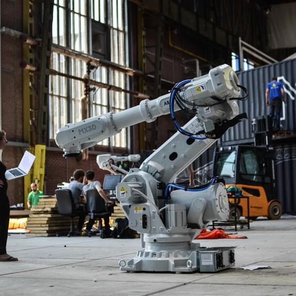3047350-slide-s-12-this-robot-can-3-d-print-a-steel-bridge-in-mid-air-20-worksinprogres5