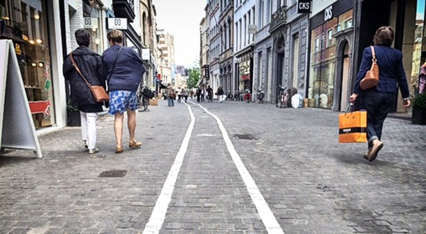Texting junkie? Take a stroll down the text-walking lane.