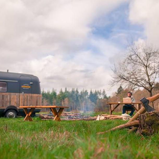 tiny-caravan-kantoorkaravaan-the-netherlands-on-site-humble-homes