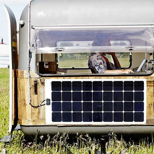 tiny-caravan-kantoorkaravaan-the-netherlands-side-humble-homes