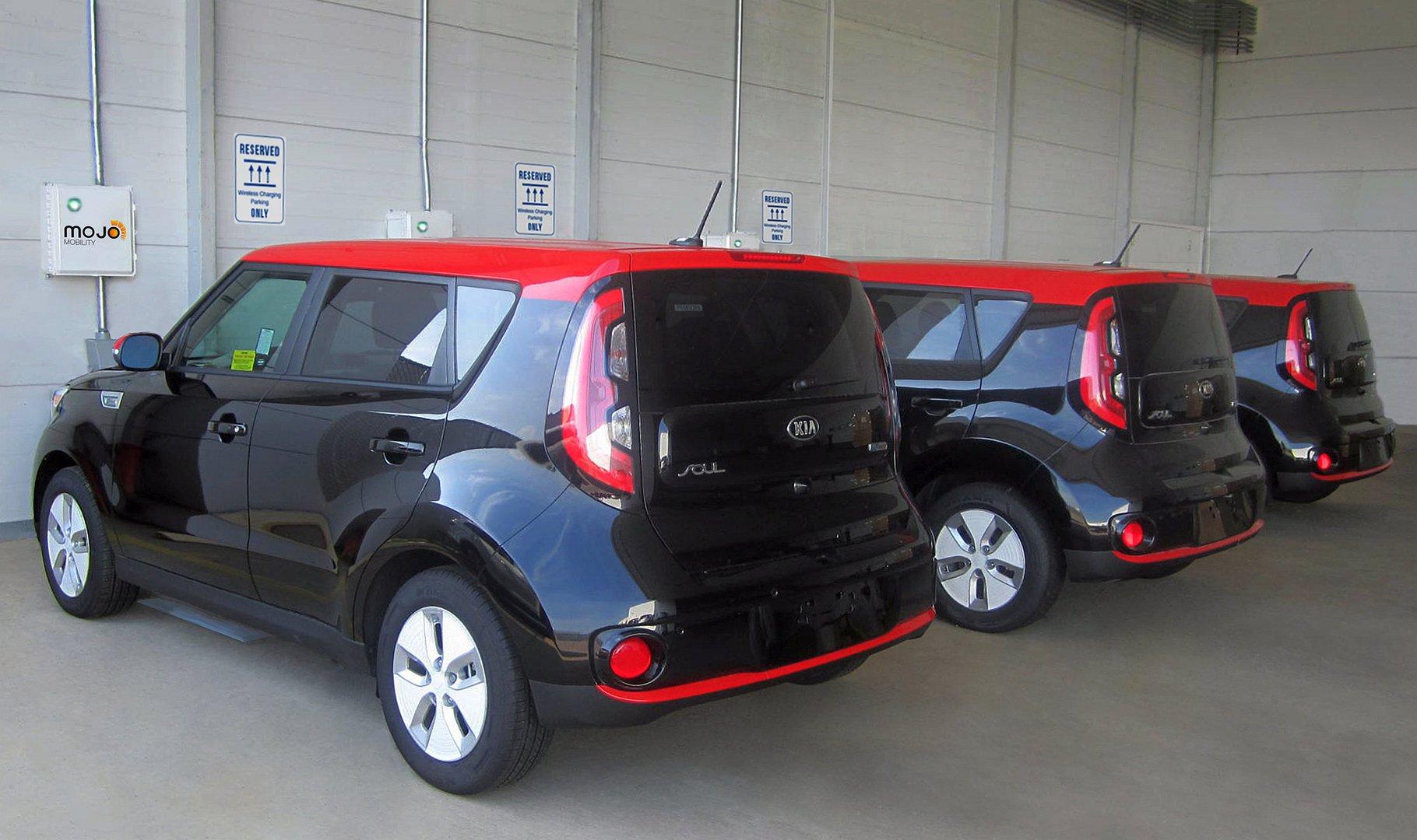 2017 kia soul ev prices incentives dealers truecar for Kia dulles motor cars
