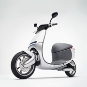 gogoro-front-left-quarter-view-0617