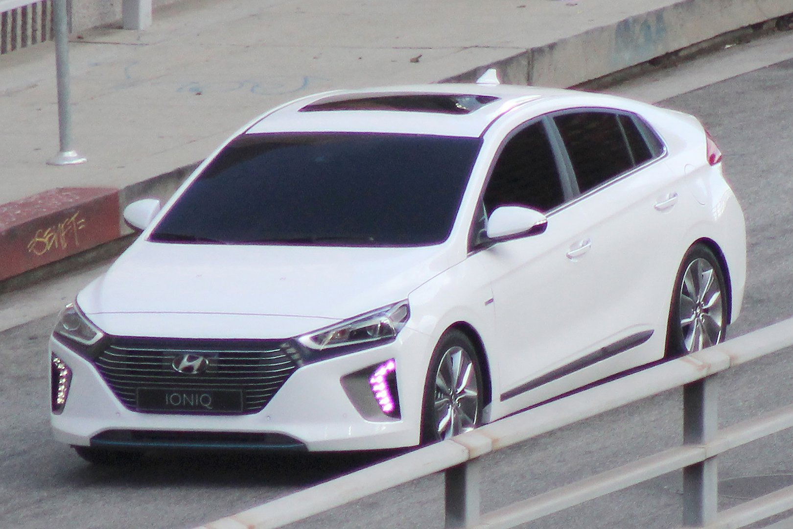 hyundai ioniq first photos revealed driving plugin. Black Bedroom Furniture Sets. Home Design Ideas