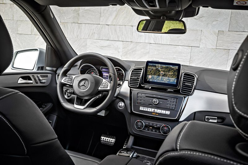 Mercedes gle 500 e an appealing cocktail driving for 2017 mercedes benz gle550e 4matic plug in hybrid