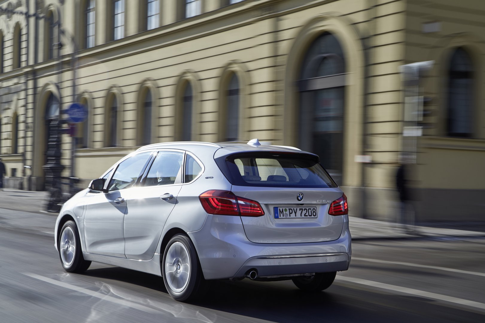 bmw 2 active tourer 225xe ev catalogue plugin. Black Bedroom Furniture Sets. Home Design Ideas
