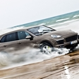 Porsche Cayenne S E-Hybrid: Two Sets of Sporty Roots