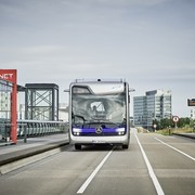 mercedes-benz-samostojni-bus-1