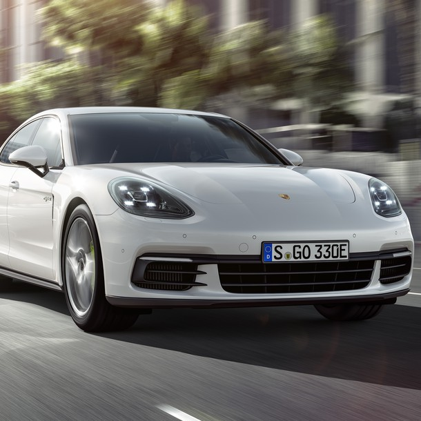 We can expect the new generation Panamera E-Hybrid in very early 2017.