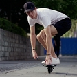 Electric skateboard: when two wheels are better than four