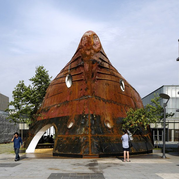 templ-by-shinslab-architecture-rusty-ship-889x597