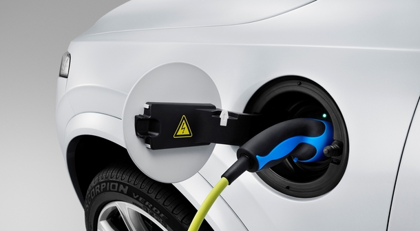 Volvo plans to manufacture its first all-electric car in China