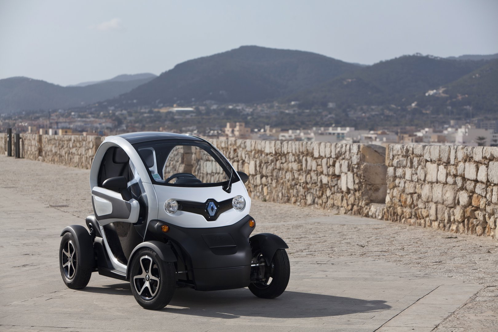 renault twizy 80 ev catalogue plugin. Black Bedroom Furniture Sets. Home Design Ideas