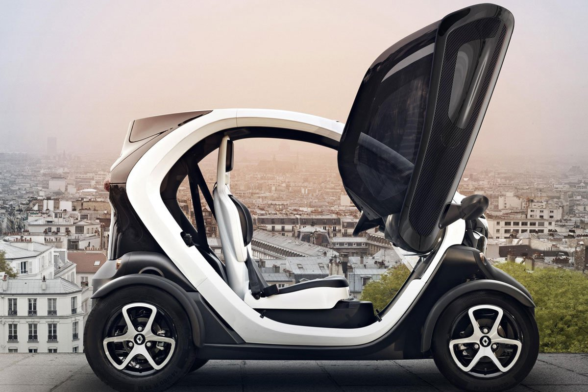 renault twizy also for 14 year old drivers driving. Black Bedroom Furniture Sets. Home Design Ideas