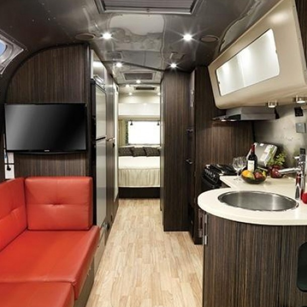 airstream luxury travel on wheels living plugin. Black Bedroom Furniture Sets. Home Design Ideas