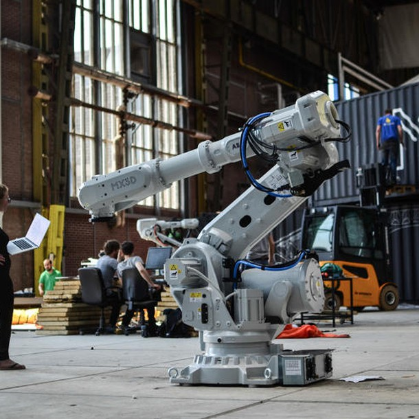 3047350-slide-s-12-this-robot-can-3-d-print-a-steel-bridge-in-mid-air-20-worksinprogres5