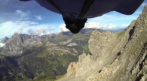 Pure adrenaline: the craziest basejumping you've ever seen!