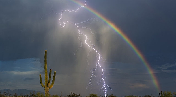 Amazing: Lightning and Rainbow Captured Together