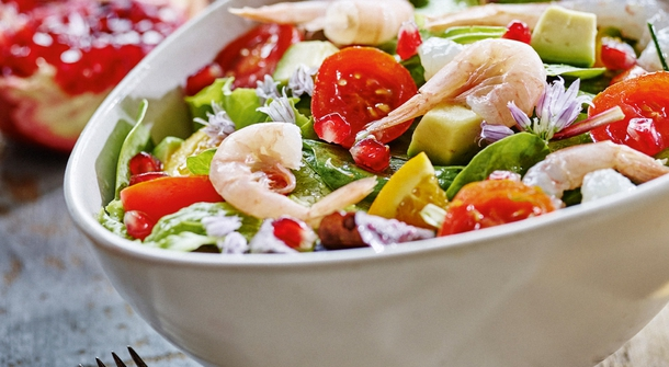 Simple as that - recipe for a summer salad with prawns