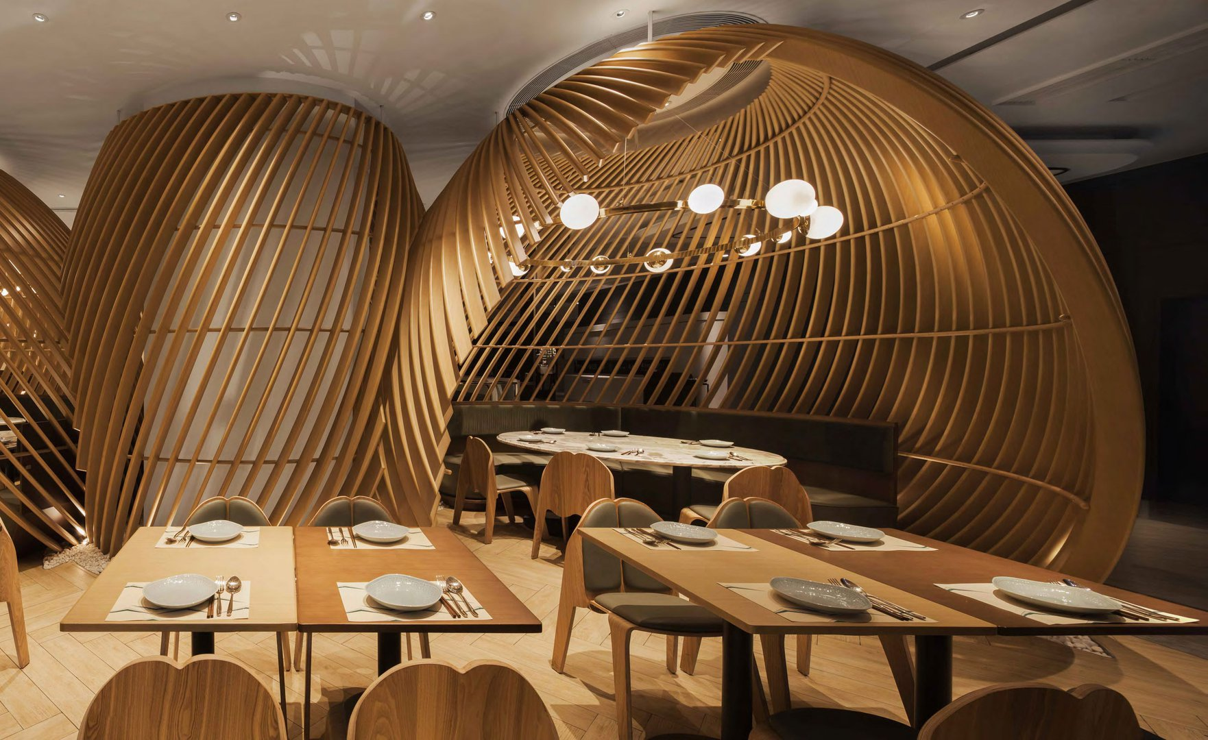 A Modern Take On Traditional Chinese Dining Living