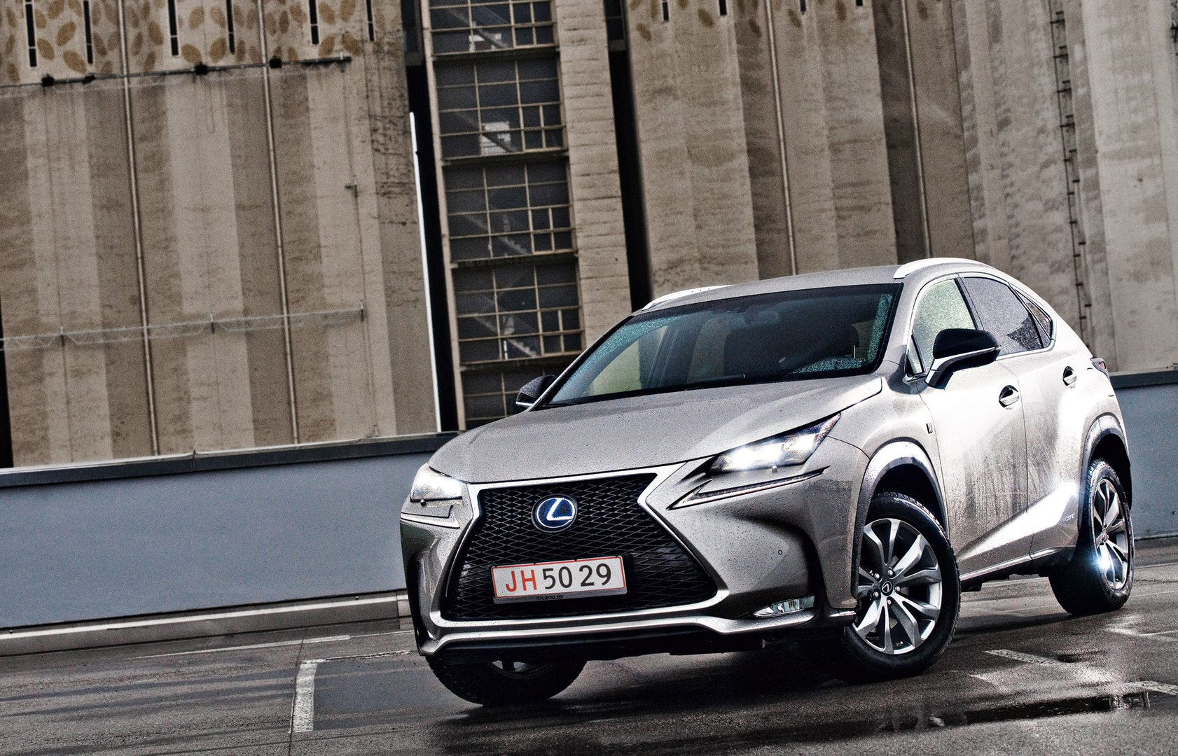 Lexus NX 300h: Knowledge U0026 Tradition