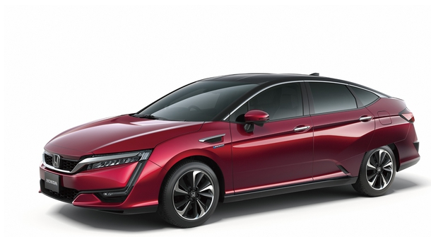 Honda Clarity Fuel Cell with a smaller but more powerful drivetrain