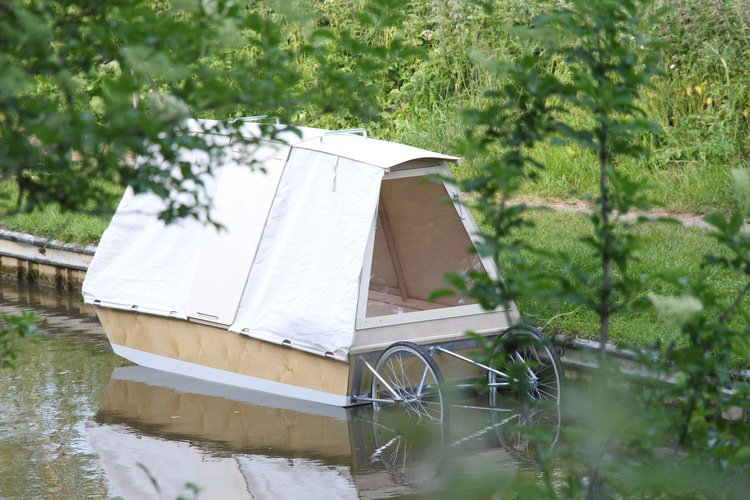img_5514 & Micro house? Nomadic tent? No itu0027s a water bed! - Living - Plugin ...