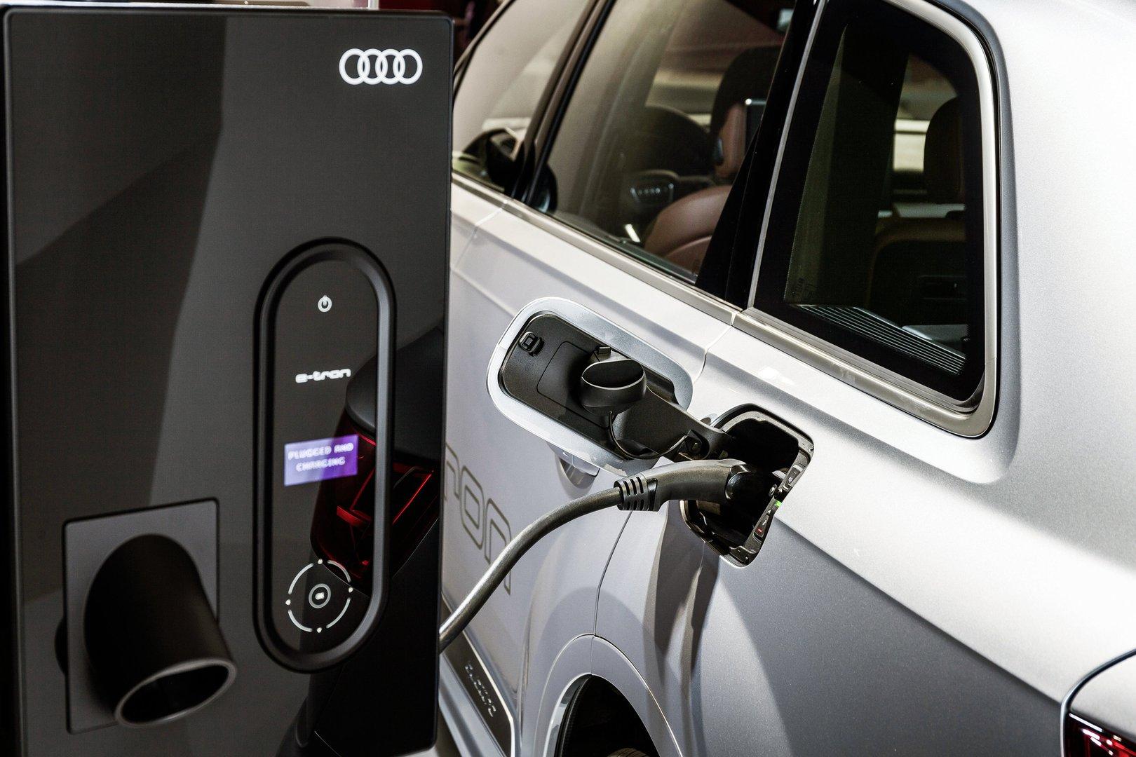 Audi Q7 e-tron 3.0 TDI quattro - EV catalogue - Plugin-magazine.com