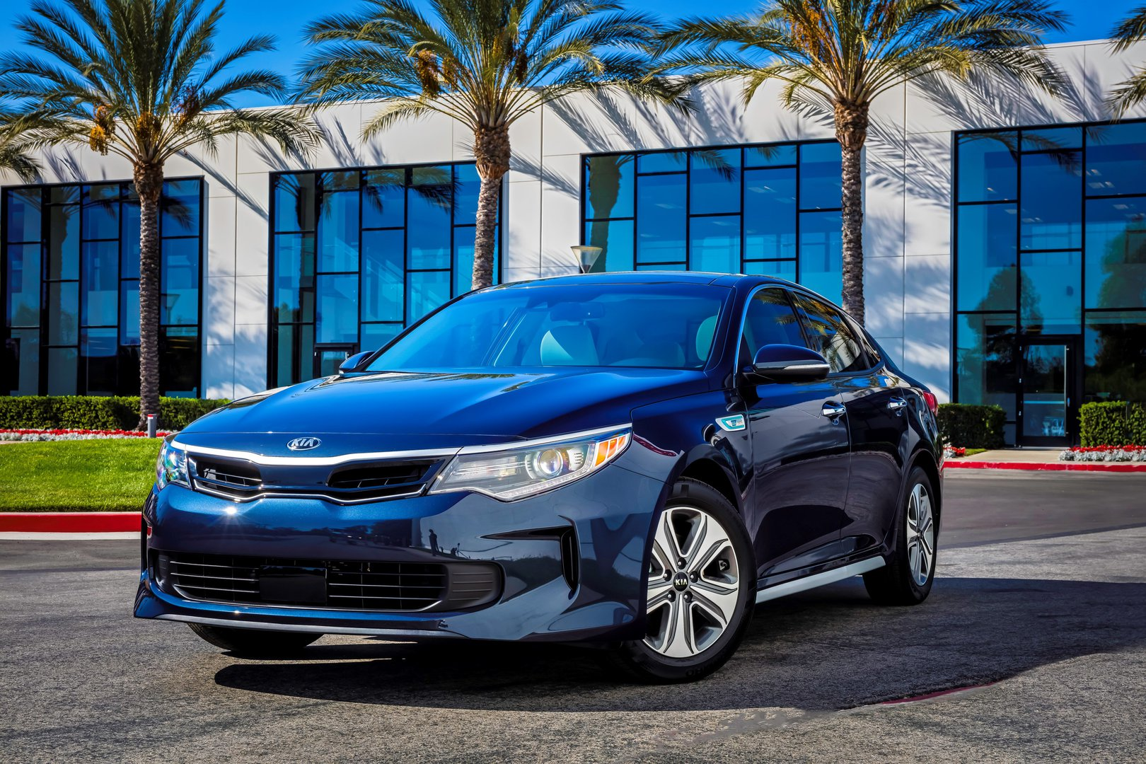 test chase chris hybrid drive optima kia review expert
