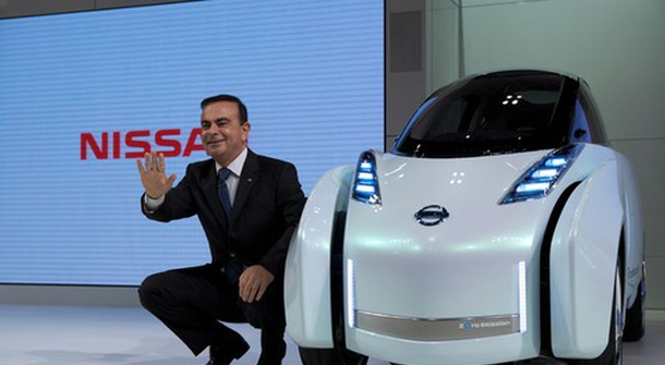 """Carlos Ghosn: """"Electric vehicles are the only solution"""""""