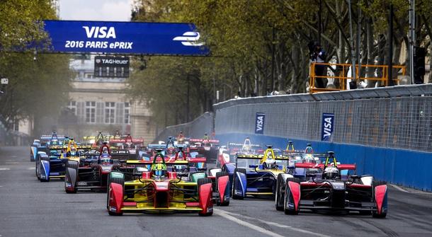 Di Grassi extends Formula E champinonship lead in Paris