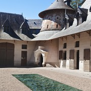 mathieu-lehanneur-petite-loire-liquid-marble-installation-designboom-03