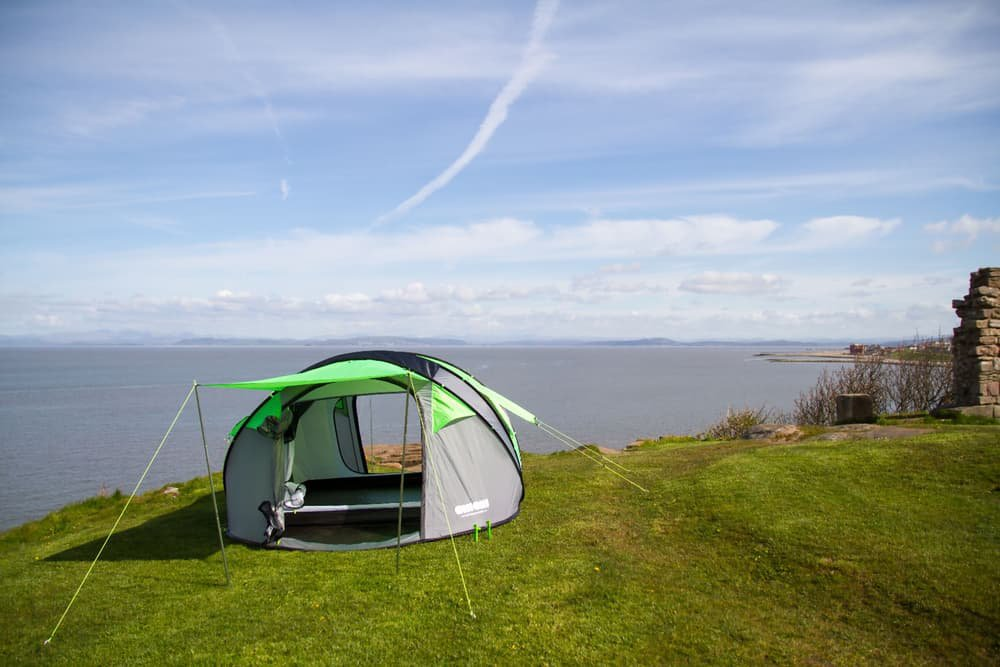 though-the-tent_mmronfd & Cinch: pop-up solar power tent - Living - Plugin-magazine.com