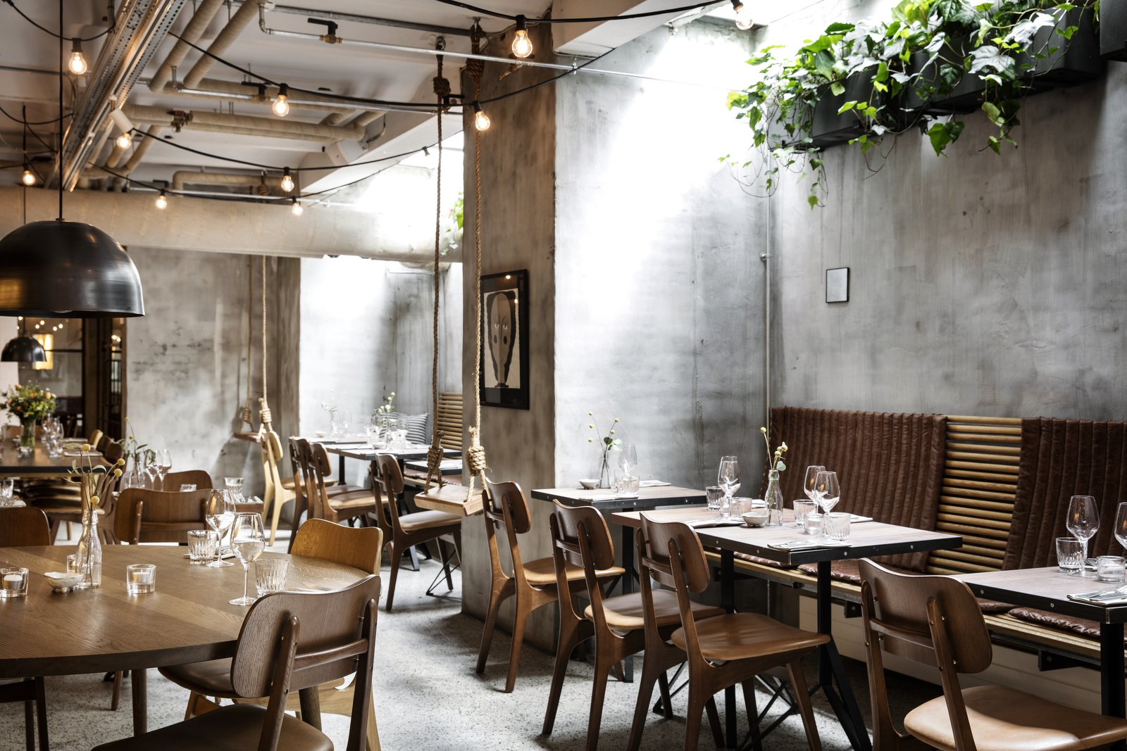 V 228 Kst A Hip Restaurant With A Green Secret Living