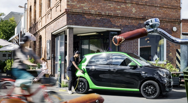 Smart is going all-electric in U.S. and Canada