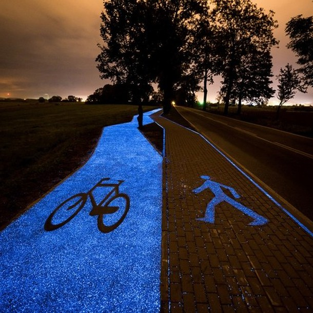 poland-solar-powered-bike-path-glows-blue-night20