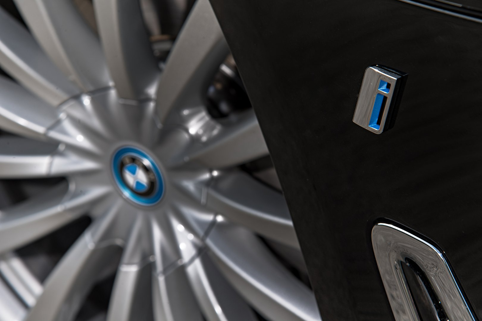 Bmw I Three Years And 100000 Vehicles Driving Plugin Magazine