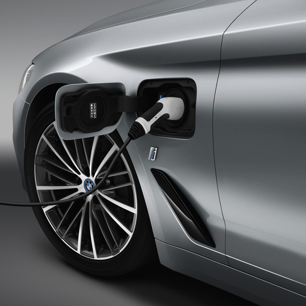 In march 2017, BMW is starting the production of the plug-in model for its 5 series BMW 530e iPerformance.