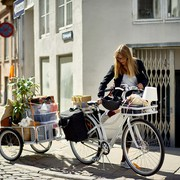 ikea_sladda_cykel_med_cykelvagn_pakethallare_cykelvaska_miljo