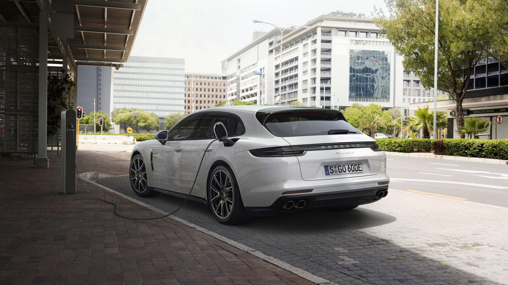 Porsche Panamera 4 E Hybrid Sport Turismo Ev Catalogue Plugin Magazine Com