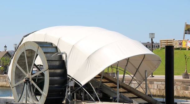 Solar-powered Mr Trash Wheel cleans the harbour