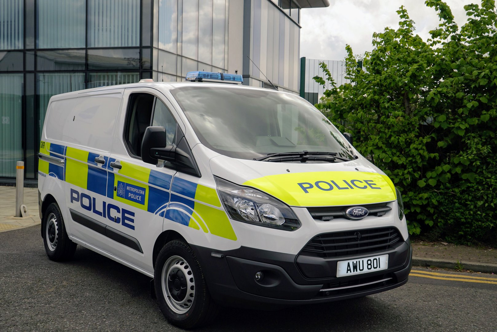 Ford S Cleaner Air For London Transit Plug In Hybrid Van Trial Becomes More Tangible