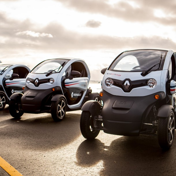 renault-delivers-ten-twizy-to-americaocos-cup-challenger-groupama-team-france-2
