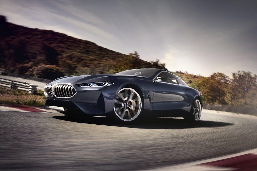 Lake Como saw the prestige premiere of BMW 8 Series Coupe - Driving ...