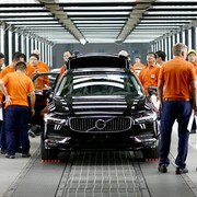 199978_pre_production_of_the_new_volvo_s90_in_the_daqing_manufacturing_plant