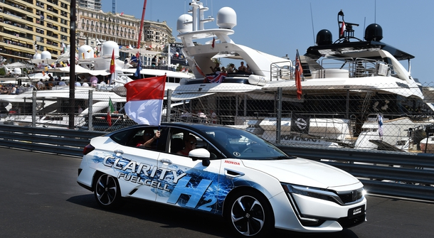 Prince Albert II tested Honda Clarity Fuell Cell on the streets of Monaco