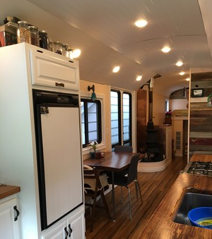 From a school bus to a mobile off-grid home