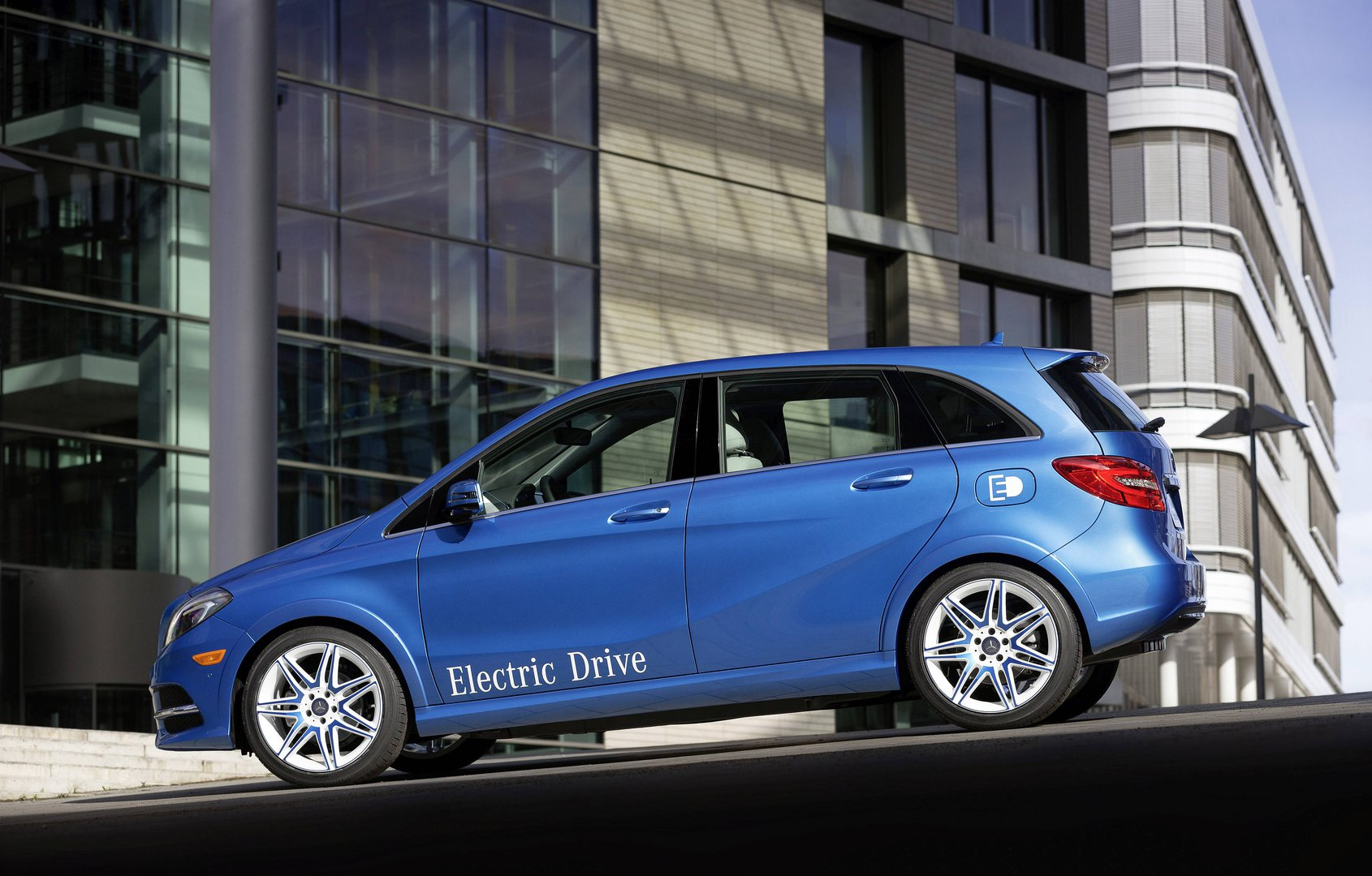 Mercedes B Class Electric >> Mercedes Benz Says Farewell To B Class Electric Drive