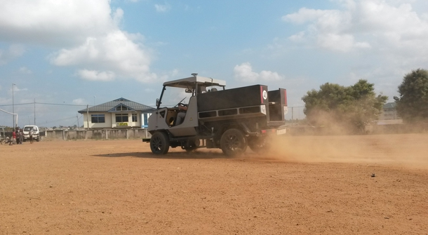 Electric modular aCar for off-roads in Africa